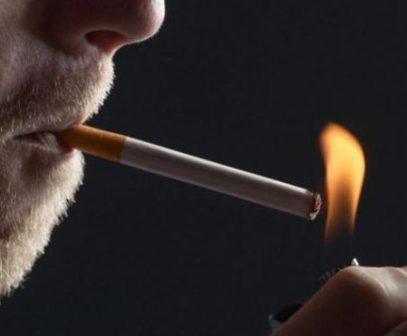 Μαμά γιο κάπνισμα σεξ
